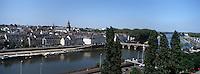 Europe/France/Pays de la Loire/49/Maine-et-Loire/Angers: Promenade du Bout du Monde la Maine et les églises St Thereze et de la Trinité panorama évoqué par Julien Gracq dans la 'Forme d'une ville'