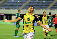 BARRANCABERMEJA-COLOMBIA, 14-02-2020: Jair Castillo de Alianza Petrolera, celebra el gol anotado a La Equidad, durante partido Alianza Petrolera y La Equidad, de la fecha 5 por la Liga BetPlay DIMAYOR I 2020 en el estadio Daniel Villa Zapata en la ciudad de Barrancabermeja. / Jair Castillo of Alianza Petrolera, celebrates a scored goal to La Equidad, during a match between Alianza Petrolera and La Equidad, of the 5th date for the BetPlay DIMAYOR Leguaje I 2020 at the Daniel Villa Zapata stadium in Barrancabermeja city. Photo: VizzorImage  / José D. Martínez / Cont.