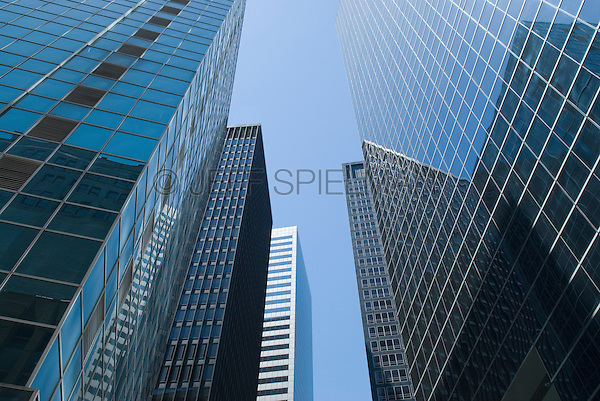 AVAILABLE FOR COMMERCIAL AND EDITORIAL LICENSING FROM CORBIS.  Please go to www.corbis.com and search for image # 42-20926350<br /> <br /> Office Buildings in Lower Manhattan's Financial District, New York City, New York State, USA