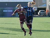 Dames Zulte Waregem - Club Brugge : Elodie Branquart in duel met Silke Demeyere (rechts).foto Joke Vuylsteke / Vrouwenteam.be