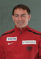 Fechten - Bundeskader - Degen  - im Bild: Damendegen Bundestrainer Piotr Sozanska (Vater v. Monika Sozanska). Foto: Norman Rembarz
