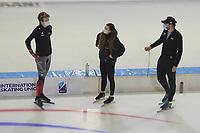 SCHAATSEN: HEERENVEEN: 13-01-2021, IJsstadion Thialf, Speed Skating training, Team Canada, Shannon Rempel, Remmelt Eldering, (National Team Staff), ©Photo Martin de Jong