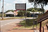 Campinas (SP), 18/03/2020 - Codiv-19 - Campinas registou seu terceiro caso confirmado para Covid-19 nesta quarta-feira (18). Trata-se de uma professora do IC (Instituto de Computação) da Unicamp (Universidade Estadual de Campinas).  Além disso, o HC (Hospital de Clínicas) está com três suspeitos internados, sendo um deles uma criança. <br /> A paciente, de 37 anos, retornou de viagem do Canadá no dia 29 de fevereiro e teve início de sintomas no dia 4 de março. Ela está em afastamento domiciliar e passa bem. Seus contactantes estão sendo monitorados. No dia 7, ela esteve em um evento na Unicamp com mais de 70 pessoas, que estão sendo monitoradas.