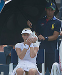 Ekaterina Makarova (RUS) battles extreme heat to defeats Eugenie Bouchard (CAN) 7-6, 6-4