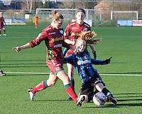 Dames Zulte Waregem - Club Brugge : Pauline Windels in duel met Silke Demeyere in de sliding.foto Joke Vuylsteke / Vrouwenteam.be