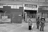 - Pavia, marzo 1975, i lavoratori occupano la Korting, fabbrica di televisori, che vuole licenziare 960 dipendenti<br />