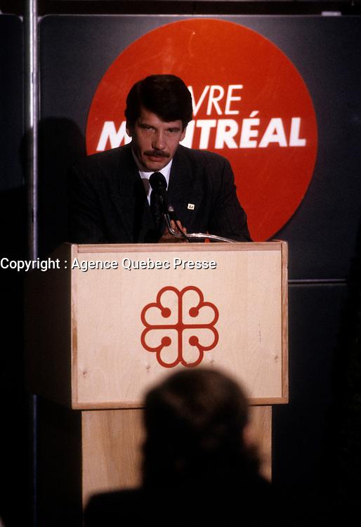 Le chef du RCM Jean Dore, et maire de Montreal, vers 1990<br /> <br /> PHOTO D'ARCHIVE : Agence Quebec Presse