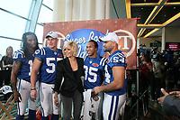 """Colts Spieler beim """"Super Bowl Idol"""" von ET<br /> Super Bowl XLIV Media Day, Sun Life Stadium *** Local Caption *** Foto ist honorarpflichtig! zzgl. gesetzl. MwSt. Auf Anfrage in hoeherer Qualitaet/Aufloesung. Belegexemplar an: Marc Schueler, Alte Weinstrasse 1, 61352 Bad Homburg, Tel. +49 (0) 151 11 65 49 88, www.gameday-mediaservices.de. Email: marc.schueler@gameday-mediaservices.de, Bankverbindung: Volksbank Bergstrasse, Kto.: 52137306, BLZ: 50890000"""