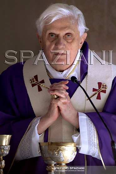 Pope Benedict XVI celebrates a mass during his visit to the church of 'Santa Felicita e figli martiri' (St. Felicita and Martyrs Sons) on the outskirts of Rome Sunday, March 25, 2007.