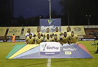 RIONEGRO - COLOMBIA, 26-11-2020: Águilas Doradas Rionegro y Envigado durante partido de la fecha 1 por la Liguilla BetPlay DIMAYOR 2020 jugado en el estadio Alberto Grisales de Rionegro. / Aguilas Doradas Rionegro and Envigado during a match of the 1st date for the BetPlay DIMAYOR Liguilla 2020 played at the Alberto Grisales Stadium in Rionegro. / Photos: VizzorImage / Juan Augusto Cardona / Contribuidor