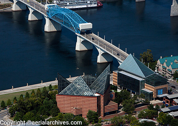 aerial photograph Tennessee Aquarium, Chattanooga, Tennessee