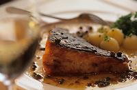 """Europe/Espagne/Catalogne/Barcelone : Turbot aux câpres - Beurre noisette - Recette du restaurant """"El Pescadors"""" quartier Peuplenou"""