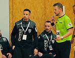 Deutschland - Sport<br /> Handball - Aufstiegsrunde zur 2. Bundesliga<br /> TuS Dansenberg (dan) - HSG Krefeld Niederrhein (kref) 24:21<br /> Trainer Steffen ECKER (TuS Dansenberg) bläst die Backen auf im Gespräch mit Schiedsrichter Tobias BIEHLER<br /> <br /> Foto © PIX-Sportfotos *** Foto ist honorarpflichtig! *** Auf Anfrage in hoeherer Qualitaet/Aufloesung. Belegexemplar erbeten. Veroeffentlichung ausschliesslich fuer journalistisch-publizistische Zwecke. For editorial use only.