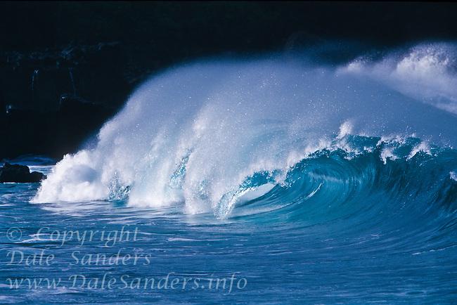 Legendary Giant Waves of Waimea Bay on the North Shore of Oahu, Hawaii, USA.