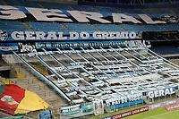 PORTO ALEGRE, RS, 22.04.2021 - GREMIO - LA EQUIDAD - Sem torcida, apenas profissionais de imprensa, dos clubes e representantes da Comenbol, durante Bandeira Preta no Estado devido a Pandemia, na partida entre Grêmio e La Equidad, pela primeira rodada da Copa Sul Americaba, no estádio Arena do Grêmio, em Porto Alegre, nesta quinta-feira (22).