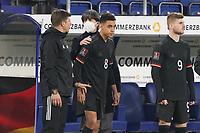 Jamal Musiala (Deutschland Germany) wird eingewechselt von Bundestrainer Joachim Loew (Deutschland Germany) - 25.03.2021: WM-Qualifikationsspiel Deutschland gegen Island, Schauinsland Arena Duisburg