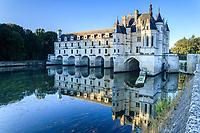 France, Indre-et-Loire (37), Chenonceaux, façade est du château sur le Cher