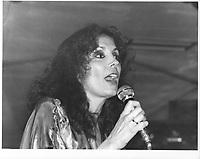 Spectacle, le 24 juin 1979, au Complexe Desjardins<br /> <br /> PHOTO : JJ Raudsepp  - Agence Quebec presse