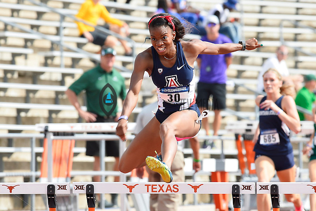Nnenya hailey of Arizona competes in 400 meter hurdles prelims during West Preliminary Track and Field Championships, Friday, May 29, 2015 in Austin, Tex. (Mo Khursheed/TFV Media via AP Images)