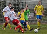 KFC Meulebeke - VV Tielt : duel om de bal tussen Dylan Vens (links) en Kenny Heytens (r)<br /> Foto David Catry | VDB | Bart Vandenbroucke