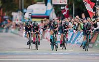 TTT winners Team Canyon-Sram rolling over the finish line<br /> <br /> UCI WOMEN'S TEAM TIME TRIAL<br /> Ötztal to Innsbruck: 54.5 km<br /> <br /> UCI 2018 Road World Championships<br /> Innsbruck - Tirol / Austria