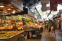 - Barcelona, La Boqueria market  (St. Joseph), popular market of foods near the Ramblas ....- Barcellona, mercato La Boqueria  (St. Josep), mercato popolare di alimentari vicino alle Ramblas ......
