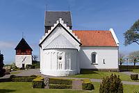 Romanische Ruts Kirke (ca.1200) in Rutsker auf der Insel Bornholm, Dänemark, Europa<br /> Romanesque Ruts Kirke (1200) in Rutsker, Isle of Bornholm, Denmark