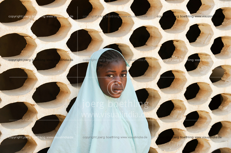 NIGER Maradi, children, muslim girl with headscarf