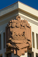 France, Aquitaine, Pyrénées-Atlantiques, Pays Basque, Biarritz: Le Musée de la Mer, style Art Déco , Détail des Armes de Biarritz sculptées par Bilberstein au  frontispice du bâtiment  //  France, Pyrenees Atlantiques, Basque Country, Biarritz: The  Sea Museum