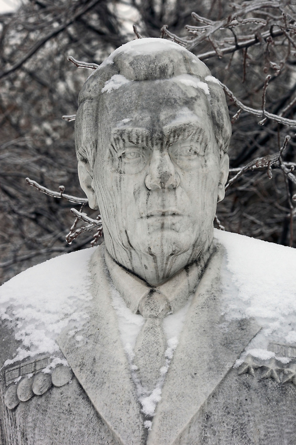 Moscow, Russia, 26/12//2010..A statue of Soviet leader Leonid Brezhnev encased in ice after a combination of sudden temperature changes and  freezing rain left large parts of Moscow under a sheet of ice..