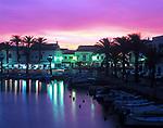 ESP, Spanien, Balearen, Menorca, Fornells: Fischerdorf an der Nordkueste am Abend | ESP, Spain, Balearic Islands, Menorca, Fornells: fishing village at the north coast at dusk