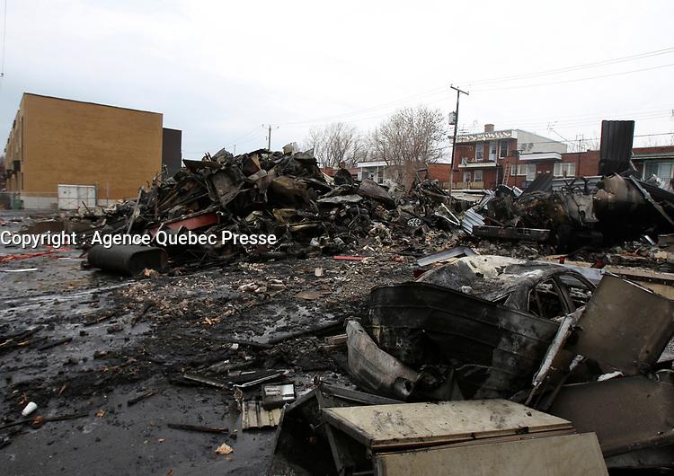 Incendie d'un commerce d'huile a chauffage, 2 février 2012<br /> <br /> Photo : Agence Quebec Presse.