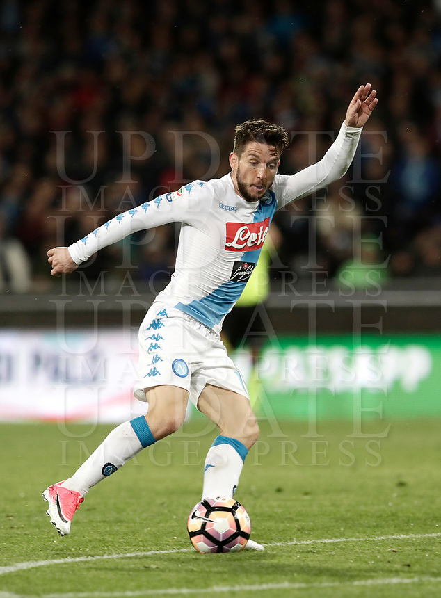 Calcio, Serie A: Napoli, stadio San Paolo, 2 aprile, 2017.<br /> Napoli's Dries Mertens in action during the Italian Serie A football match between Napoli and Juventus at San Paolo stadium, April 2, 2017<br /> UPDATE IMAGES PRESS/Isabella Bonotto