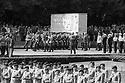 Boris N. Jelzin und Helmut Kohl bei der Militärparade zur Verabschiedung der russischen Streitkräfte aus Deutschland am sowjetischen Ehrenmal in Berlin-Treptow. Berlin, 31.08.1994