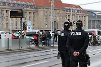 Nazi-Demo in Leipzig am 16.10.2010.Im Bild: Polizei am Leipziger HBF.Foto: Karoline Maria Keybe , 01577 7729355, karoline@karoline-maria.com, Steuernummer: 231/238/07774..Deutsche Bank, Konto-Nr. 1272228, BLZ 86070024.Keine Umsatzsteuerpflicht nach Kleinunternehmerregelung § 19 Absatz 1 UStG.