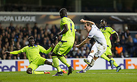 Harry Kane of Tottenham Hotspur scores a goal to make it 1-0 during the UEFA Europa League Group J match between Tottenham Hotspur and R.S.C. Anderlecht at White Hart Lane, London, England on 5 November 2015. Photo by Andy Rowland.