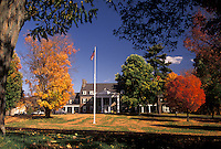 AJ3108, mansion, Copperstown, New York, The Fenimore Art Museum (a neo-Georgian structure) in Cooperstown in the autumn in the state of New York.