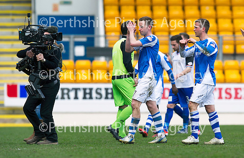 St Johnstone v Inverness Caley Thistle.....27.04.13      SPL.Steven MacLean applauds the fans at full time.Picture by Graeme Hart..Copyright Perthshire Picture Agency.Tel: 01738 623350  Mobile: 07990 594431
