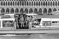 - Venezia, Carabinieri in servizio di sicurezza durante il summit internazionale G7 del giugno 1980<br /> <br /> - Venice, Carabinieri in security service during the international summit G7 of June 1980