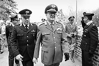 - il generale dei Carabinieri Carlo Alberto Dalla Chiesa, ucciso dalla mafia nel 1982 (June 1981)....- the general of Carabinieri Carlo Alberto dalla Chiesa, killed by the mafia in 1982 (dicembre 1981)