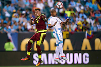 Action photo during the match Uruguay vs Venezuela at Lincoln Financial Field Stadium Copa America Centenario 2016. ---Foto  de accion durante el partido Uruguay vs Venezuela, En el Estadio Lincoln Financial Field Partido Correspondiante al Grupo - C -  de la Copa America Centenario USA 2016, en la foto: (I)-(D) Adalberto Penaranda, Carlos Sanchez<br /> --- 09/06/2016/MEXSPORT/Osvaldo Aguilar.