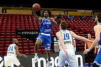 18-05-2021: Basketbal: Donar Groningen v Heroes Den Bosch: Groningen, Den Bosch speler Demario Mayfield op weg naar score