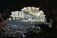 Beslan / Ossezia del Nord / Caucaso. 9/2004<br /> Macerie della palestra della Scuola n.1 di Beslan dopo l'attacco terroristico di un gruppo di guerriglieri ceceni in cui morirono 370 bambini. <br /> Ruins of the gym of the School 1 in Beslan after the terrorist attack of a group of Chechen guerrillas that killed 370 children.<br /> Photo Livio Senigalliesi