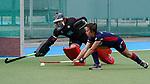 v.li.: Femke Jovy (Torwart, Mülheim, 6) klärt gegen Lucina von der Heyde (MHC, 2) beim Penalty shoot-out, Penaltyschießen, Entscheidung, Action, Aktion, Spielszene, pariert den Ball, Parade, Glanzparade, hält den Ball, 01.05.2021, Mannheim  (Deutschland), Hockey, Deutsche Meisterschaft, Viertelfinale, Damen, Mannheimer HC - HTC Uhlenhorst Mülheim <br /> <br /> Foto © PIX-Sportfotos *** Foto ist honorarpflichtig! *** Auf Anfrage in hoeherer Qualitaet/Aufloesung. Belegexemplar erbeten. Veroeffentlichung ausschliesslich fuer journalistisch-publizistische Zwecke. For editorial use only.