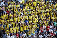 SAMARA - RUSIA, 07-07-2018: Hinchas de Suecia animan a su equipo durante partido de cuartos de final entre Suecia y Inglaterra por la Copa Mundial de la FIFA Rusia 2018 jugado en el estadio Samara Arena en Samara, Rusia. / Fans of Sweden cheer for their team during the match between Sweden and England of quarter final for the FIFA World Cup Russia 2018 played at Samara Arena stadium in Samara, Russia. Photo: VizzorImage / Julian Medina / Cont