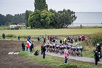 peloton <br /> <br /> Inaugural Paris-Roubaix Femmes 2021 (1.WWT)<br /> One day race from Denain to Roubaix (FRA)(116.4km)<br /> <br /> ©kramon