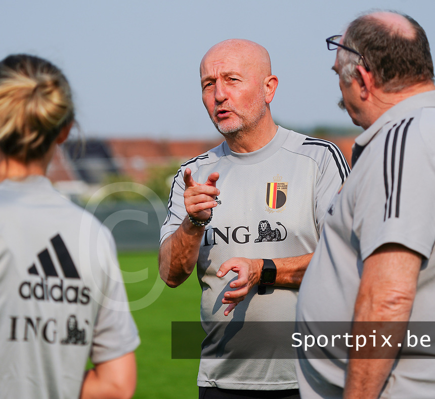 20200911 - TUBIZE , Belgium : Team manager Rudy Vanderelst pictured during a training session of the Belgian Women's National Team, Red Flames , on the 11th of September 2020 in Tubize. PHOTO SEVIL OKTEM| SPORTPIX.BE