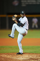 Jupiter Hammerheads relief pitcher Esmerling De La Rosa (16) delivers a pitch during a game against the Lakeland Flying Tigers on March 14, 2016 at Henley Field in Lakeland, Florida.  Lakeland defeated Jupiter 5-0.  (Mike Janes/Four Seam Images)