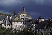 Europe/France/Limousin/19/Corrèze/Turenne:Le village et l'église
