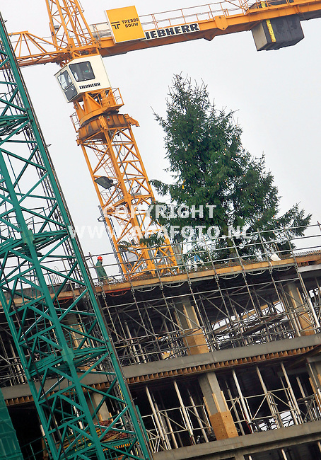 Wageningen, 221205<br /> Kerstboom op de nieuwbouw van de Born, universiteit van Wageningen.<br /> Foto: Sjef Prins - APA Foto